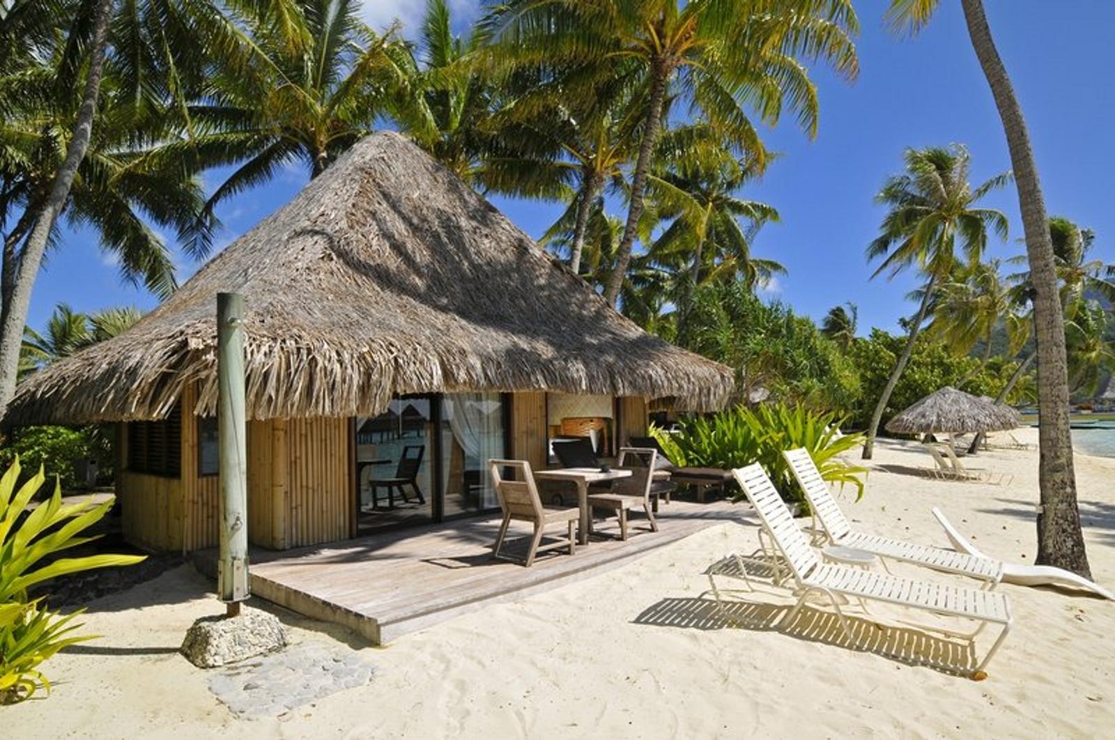 Hotels intercontinental bora bora le moana resort for Fantastici disegni di bungalow