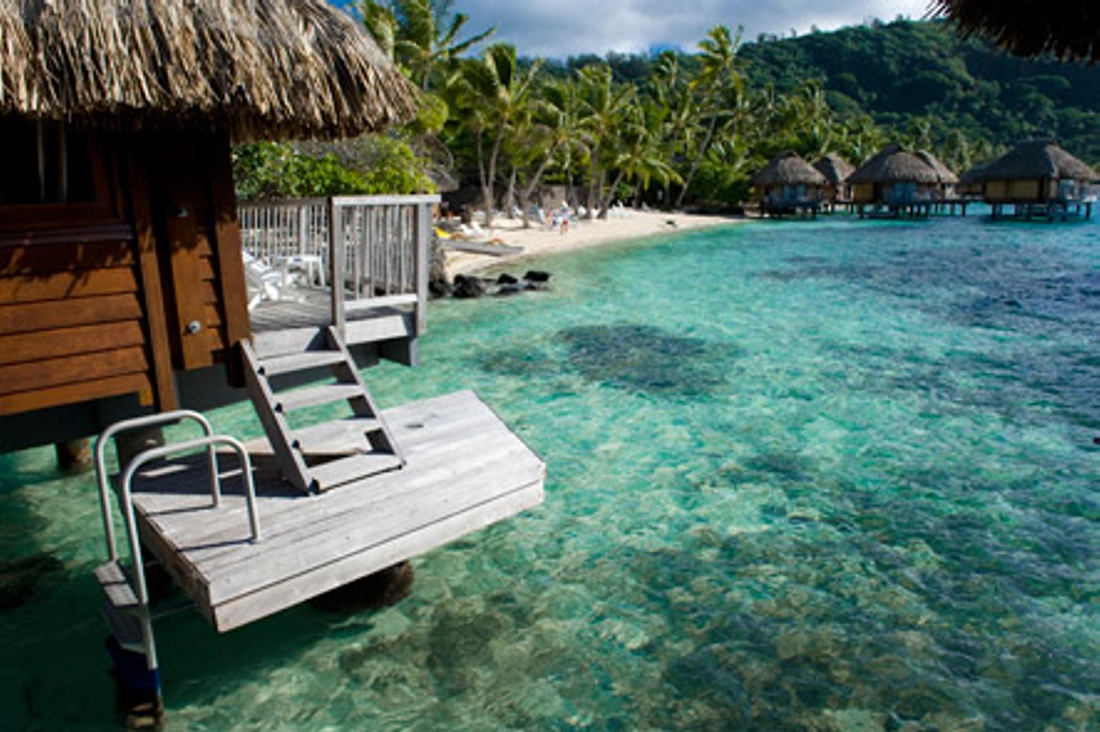 Hotels maitai polynesia bora bora australia tour for Fantastici disegni di bungalow